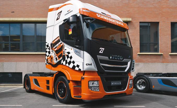 Dzięki zastosowaniu wielu rozwiązań technicznych wukładzie napędowym, teletechnice ipakietów poprawiających własności aerodynamiczne wnowym Iveco Stralis zmniejszono zużycie paliwa ook. 11% (fot.M. Rutka)