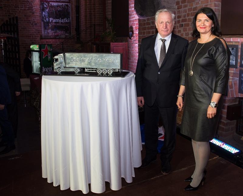Jacek Korczak - właściciel iprezes Polsad orazMałgorzata Kulis – vice president Volvo Group Trucks Sales, Baltic Sea Market (fot.Renault Trucks)