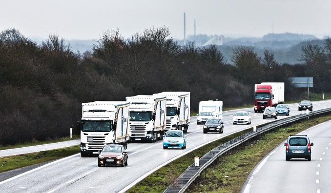 European Truck Platooning Challenge – naprzełomie marca ikwietnia 2016 r. wzlocie gwiaździstym doRotterdamu wzięły udział konwoje połączone stworzone przezpojazdy sześciu wiodących marek europejskich (fot.Scania)