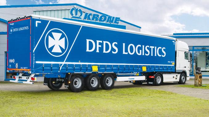Najbardziej popularną grupę leasingowanych naczep stanowią odmiany kurtynowe (fot.DFDS)